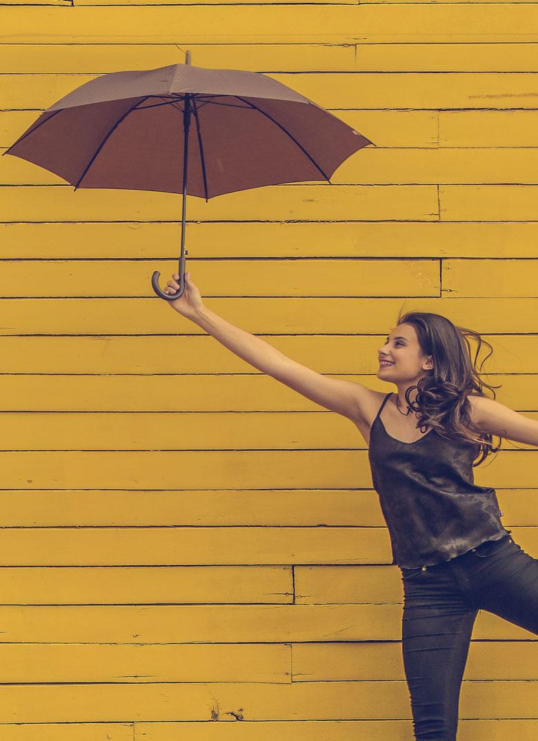woman_umbrella